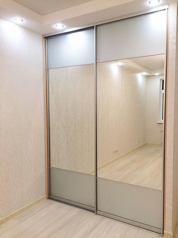 комбинированный фасад с зеркалом